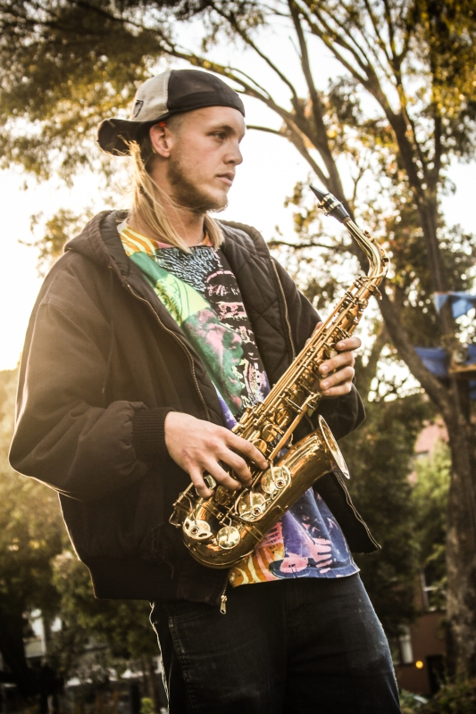 800_hayes_valley_farm_sax_player.jpg