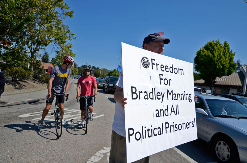 free-all-political-prisoners-independence-day-santa-cruz-july-4th-2013-4.jpg