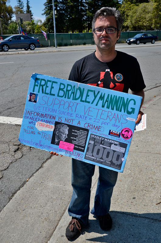 free-bradley-manning-independence-day-santa-cruz-july-4th-2013-10.jpg