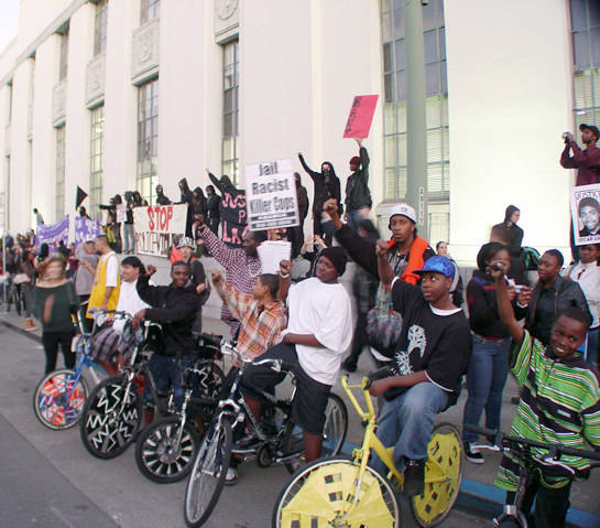 oakland-rebellion-scraper-bike-kids-at-courthouse-011409-by-dave-id-indybay.jpg