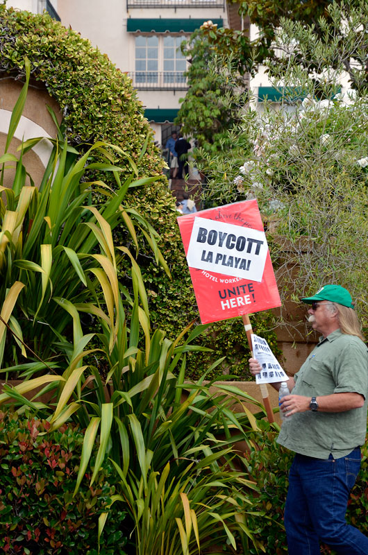 la-playa-carmel-hotel-boycott-rally-august-16-2013-13.jpg
