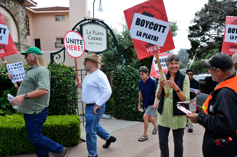 la-playa-carmel-hotel-boycott-rally-august-16-2013-14.jpg