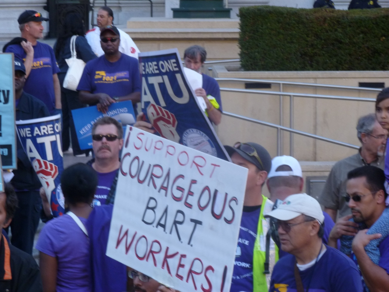 800_bart_support_courageous_bart_workers.jpg
