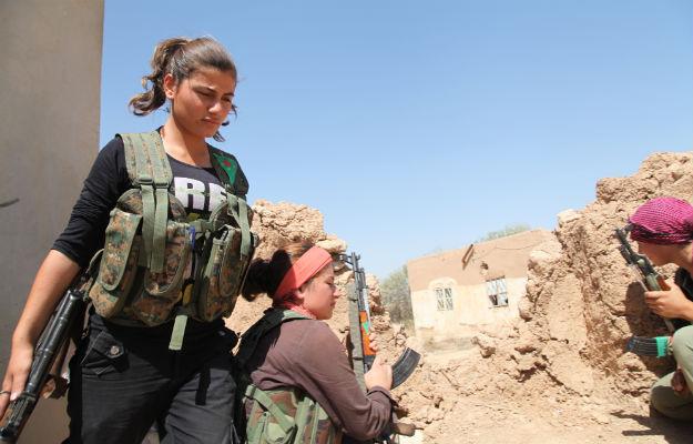 000000000_femalefighter.jpg