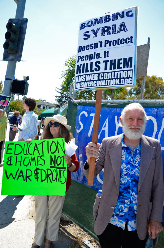 war-in-syria-protest-santa-cruz-august-31-2013-14.jpg