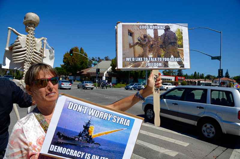 war-in-syria-protest-santa-cruz-august-31-2013-16.jpg