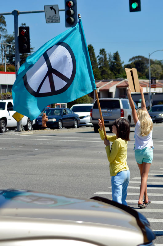 war-in-syria-protest-santa-cruz-august-31-2013-17.jpg