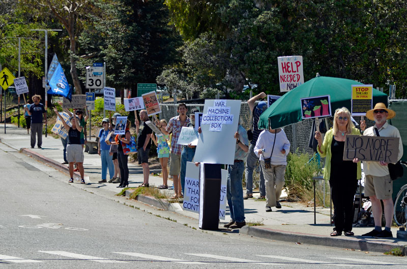 war-in-syria-protest-santa-cruz-august-31-2013-9.jpg