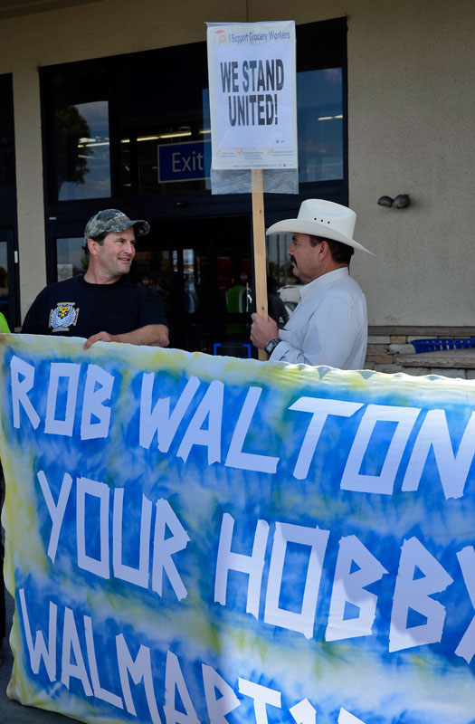 tony-barrera-walmart-60-salinas-city-council-ourwalmart-august-17-2013-8.jpg