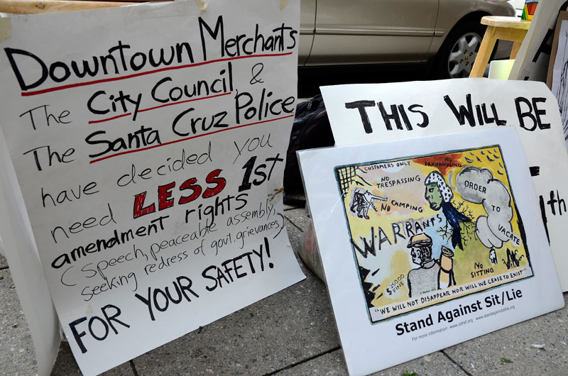 community-blanket-sit-in-santa-cruz-october-24-2013-10.jpg