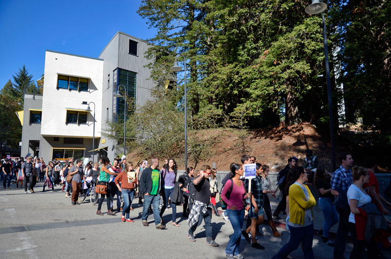 uc-student-academic-workers-ucsc-bargaining-santa-cruz-october-22-2013-11.jpg