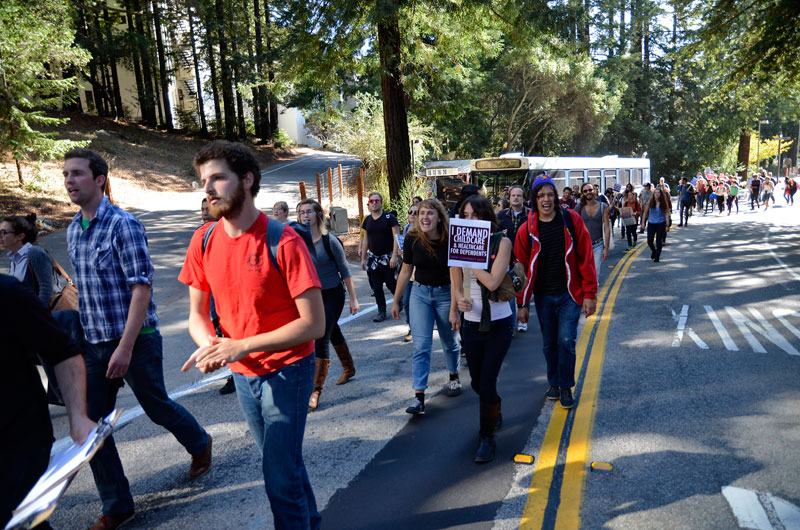 uc-student-academic-workers-ucsc-bargaining-santa-cruz-october-22-2013-13.jpg
