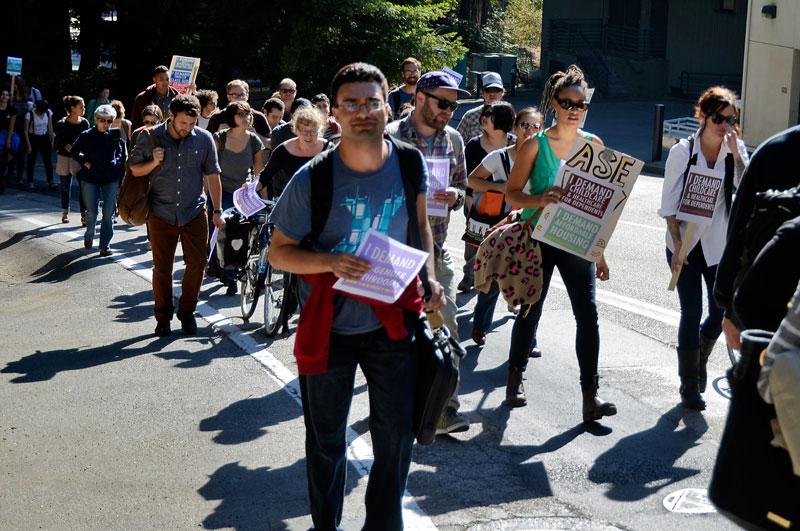 uc-student-academic-workers-ucsc-bargaining-santa-cruz-october-22-2013-15.jpg