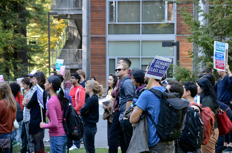 uc-student-academic-workers-ucsc-bargaining-santa-cruz-october-22-2013-19.jpg