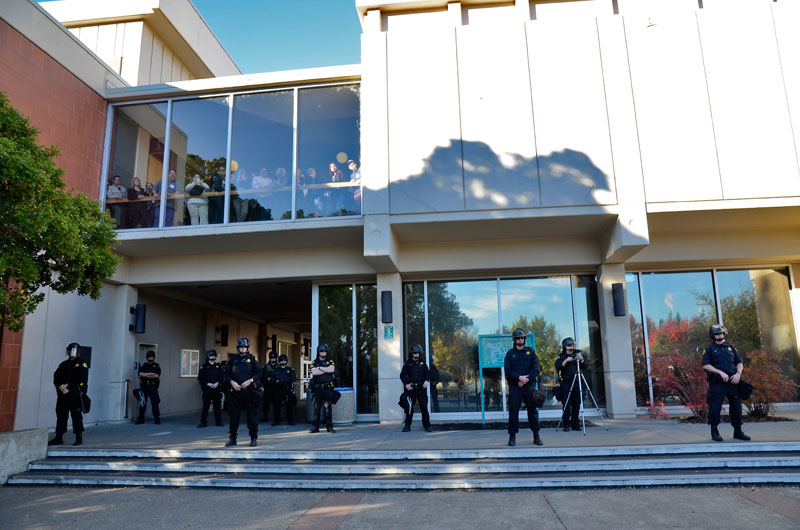 sonoma-county-hall-of-justice-andy-lopez-november-5-2013-23.jpg