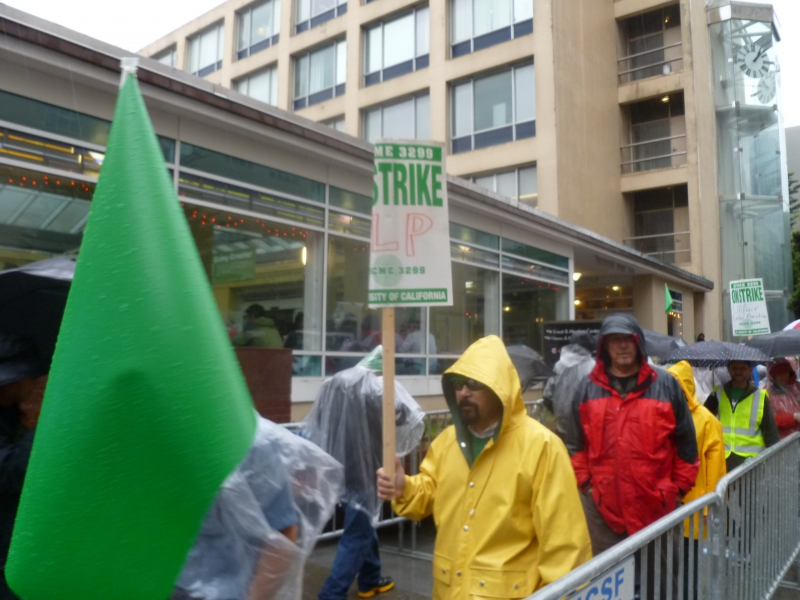 800_afscme3299_strike_picket_line.jpg