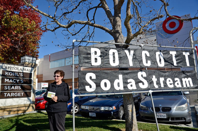 sodastream-black-friday-protest-capitola-mall-november-29-2013-1.jpg
