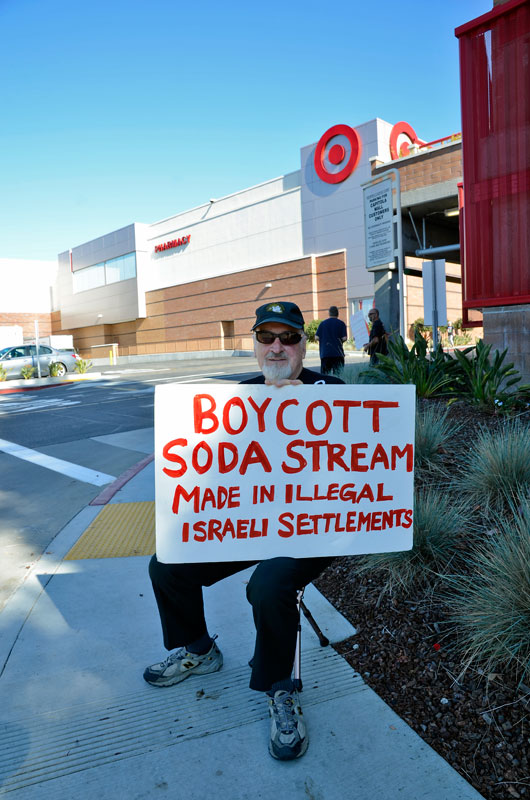 sodastream-black-friday-protest-capitola-mall-november-29-2013-3.jpg