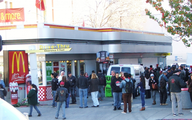 800_rally_at_mcdonalds_in_downtown_oakland.jpg