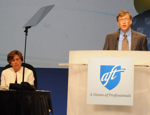 aft_weingarten_with_bill_gates_at_convention.jpg