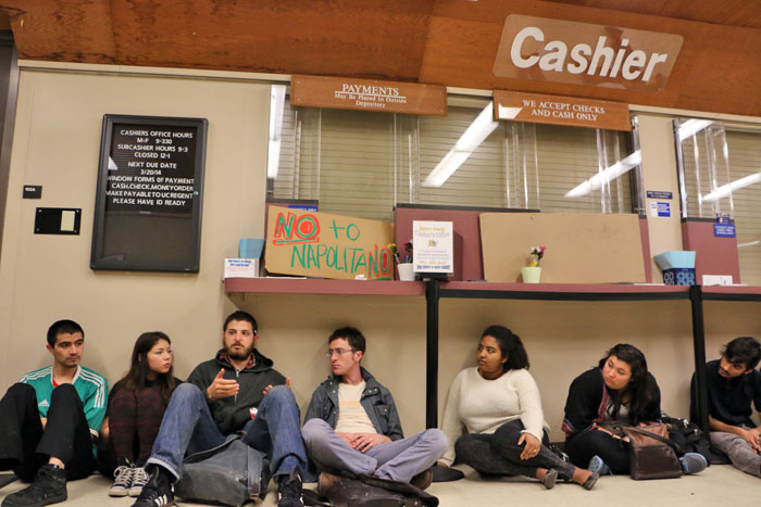 hahn-occupation-uc-santa-cruz-march-5-2014-15.jpg