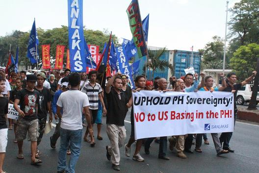 2014-edca-obama-protest-philippines.jpg