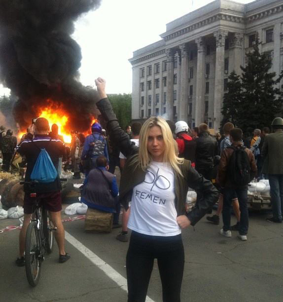 femen-leader-ievgeniia-kraizman-poses-at-the-scene-of-the-may-2nd-odessa-massacre.png