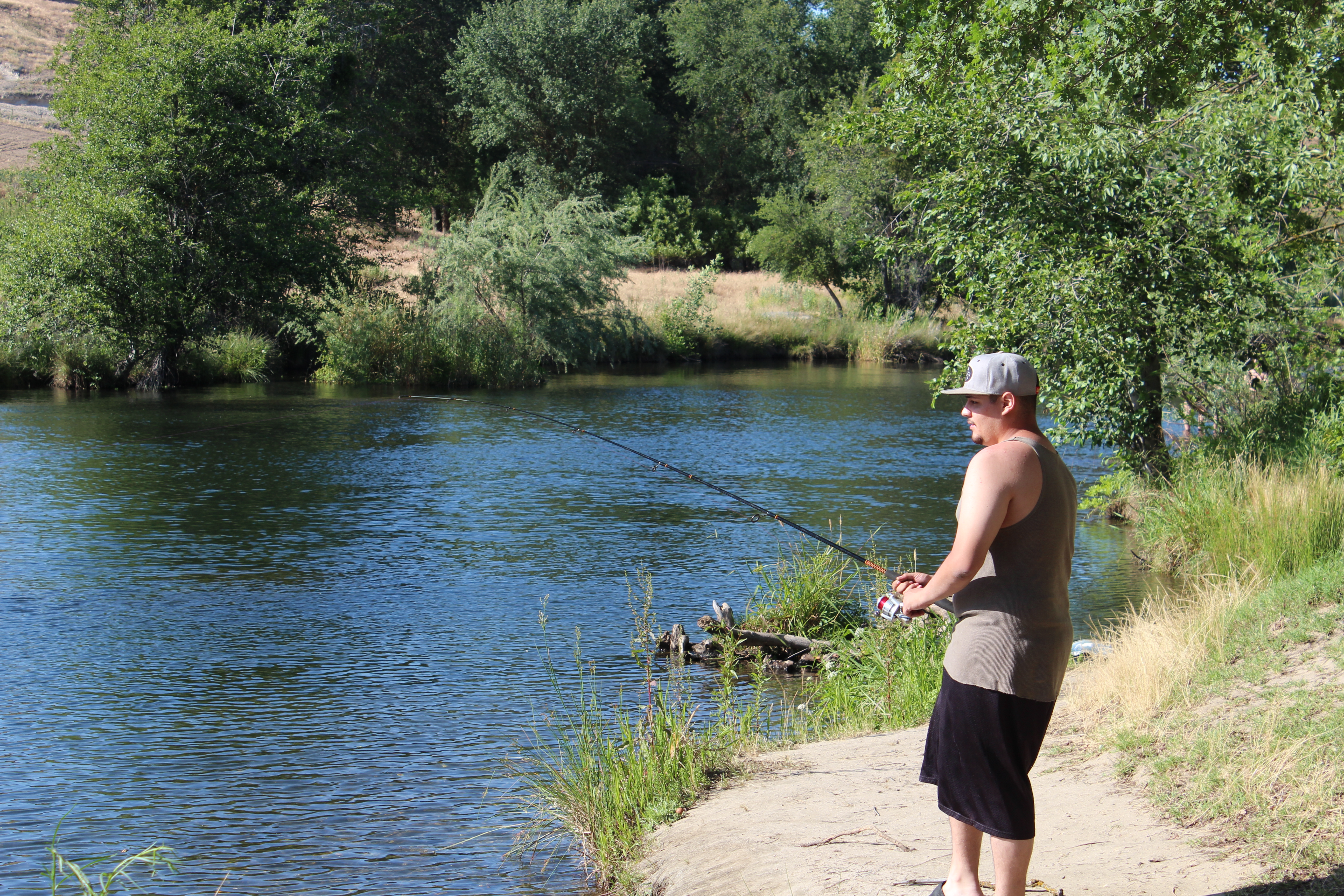 Feds release spring run chinook salmon into san joaquin for San joaquin river fishing
