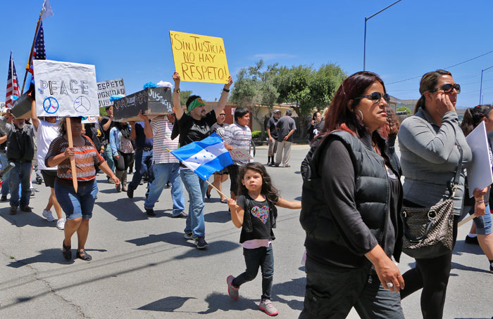 salinas-police-brutality-march-25.jpg
