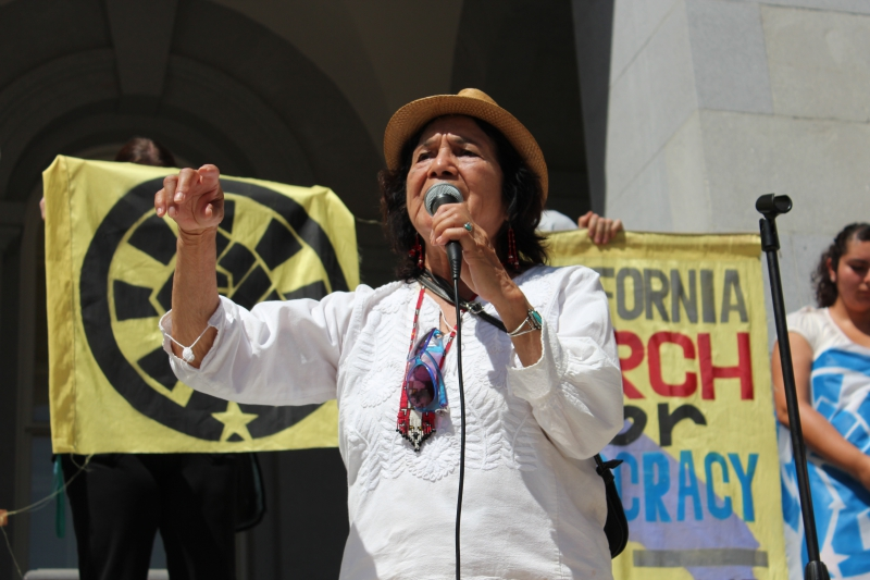 800_dolores_huerta_photo.jpg
