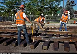 bnsf_railroad_workers.jpeg