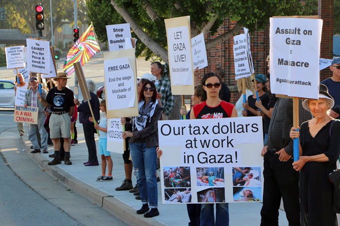 gaza-vigil-santa-cruz-interfaith-august-1-2014-1.jpg