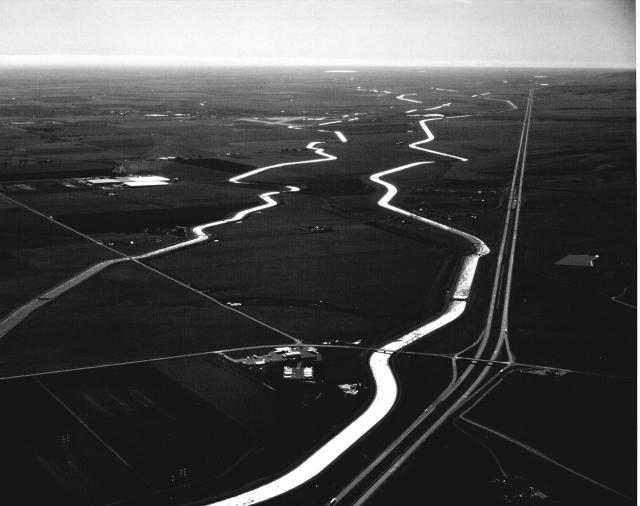 i-5_and_canals_sjvalleydwrb_w.preview.jpg