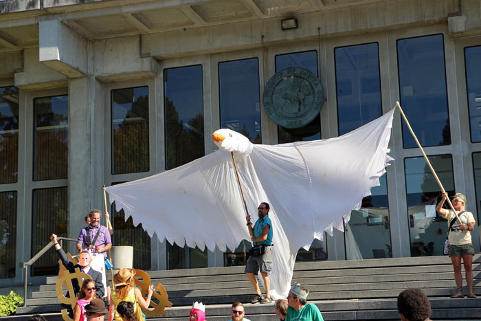 court-house-occupy-santa-cruz-eleven-parade-august-25-2014-13.jpg