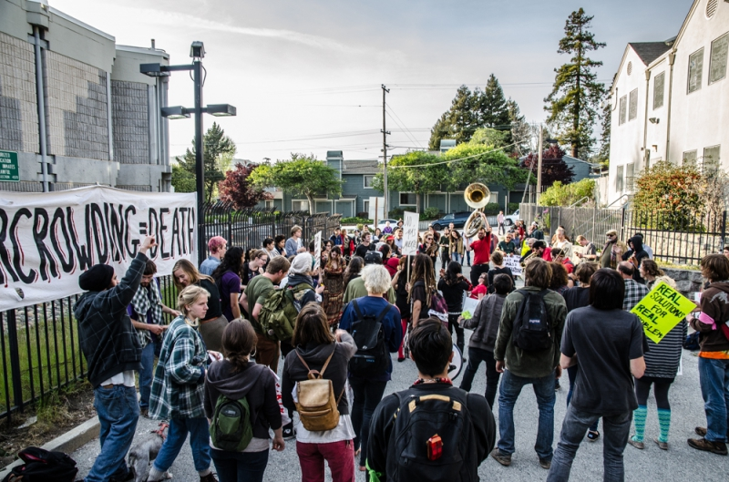 800_santa-cruz-jail-protest-april-6-2013-2.jpg