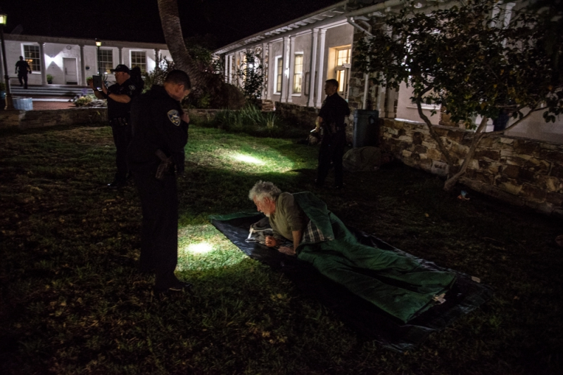 800_sleep-out-12-santa-cruz-city-hall.jpg original image ( 1000x668)