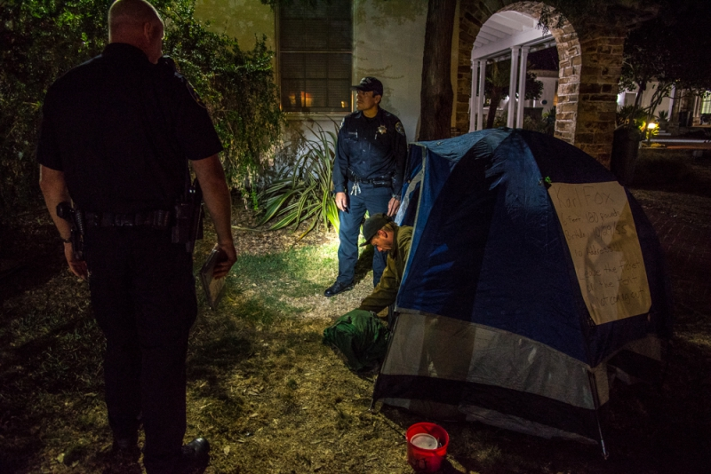 800_sleep-out-13-santa-cruz-city-hall.jpg original image ( 1000x668)