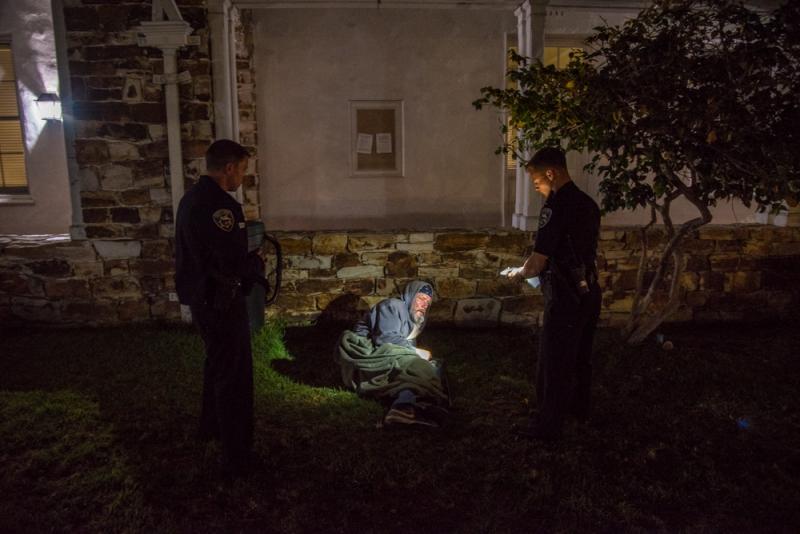 800_sleep-out-16-santa-cruz-city-hall.jpg original image ( 1000x668)
