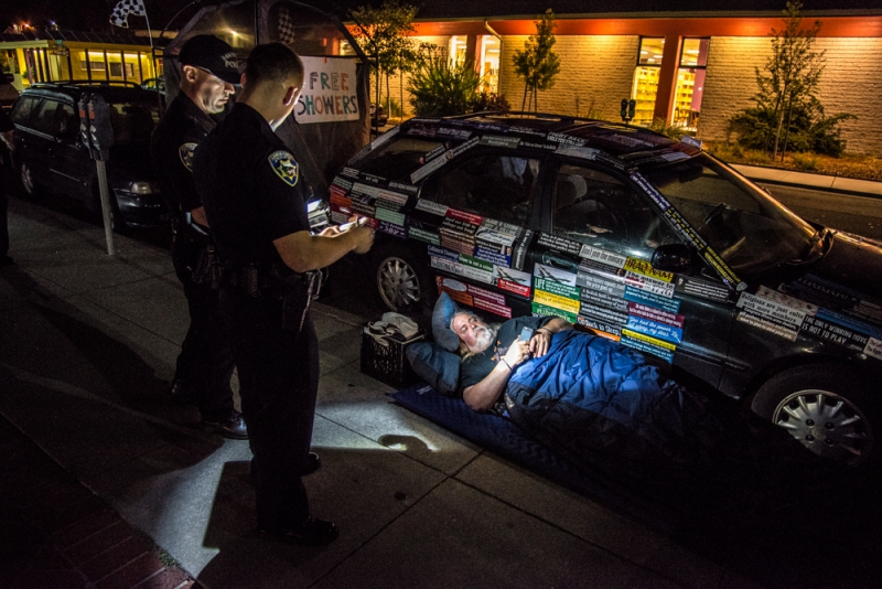 800_sleep-out-20-santa-cruz-city-hall.jpg original image ( 1000x668)