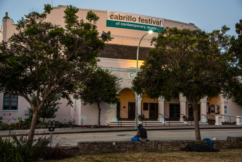 800_sleep-out-30-santa-cruz-city-hall-civic-auditorium.jpg original image ( 1000x668)