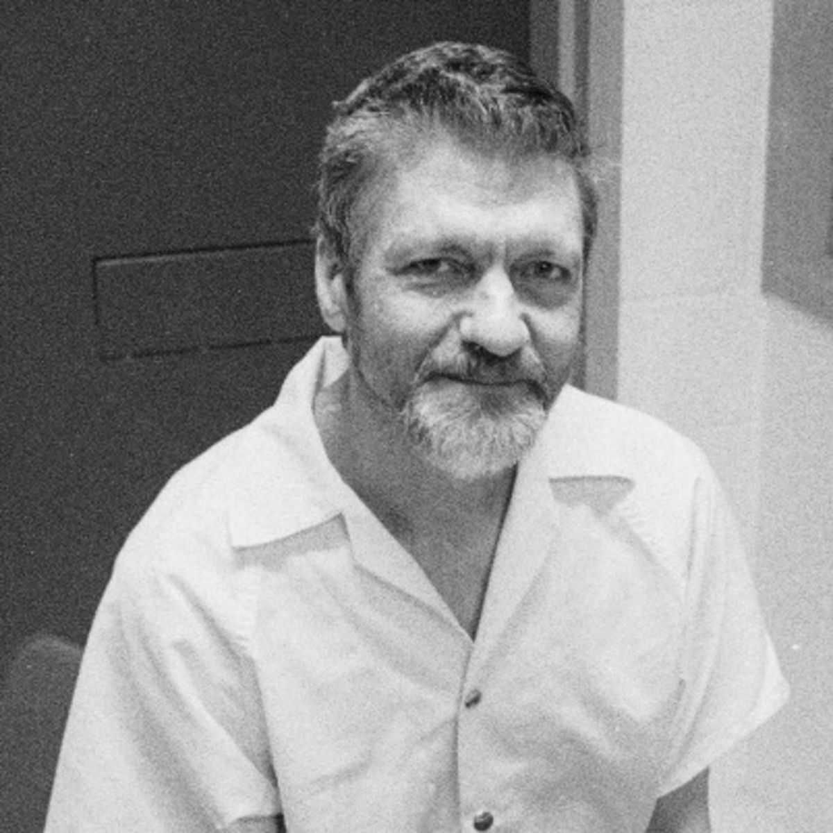 the unabomber The unabomber trial: the manifesto editor's note: this is the text of a 35,000-word manifesto as submitted to the washington post and the new york times by the serial mail bomber called the.