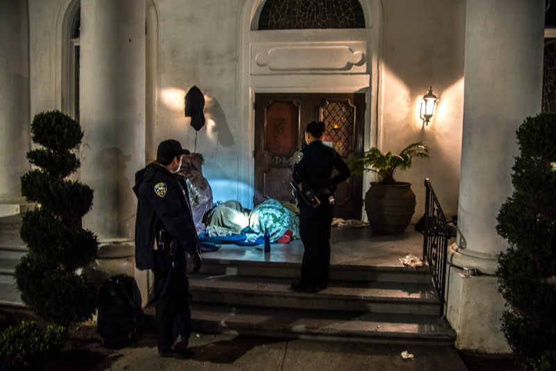 800_santa-cruz-homeless-sweeps-1-police-greek-orthodox-church.jpg