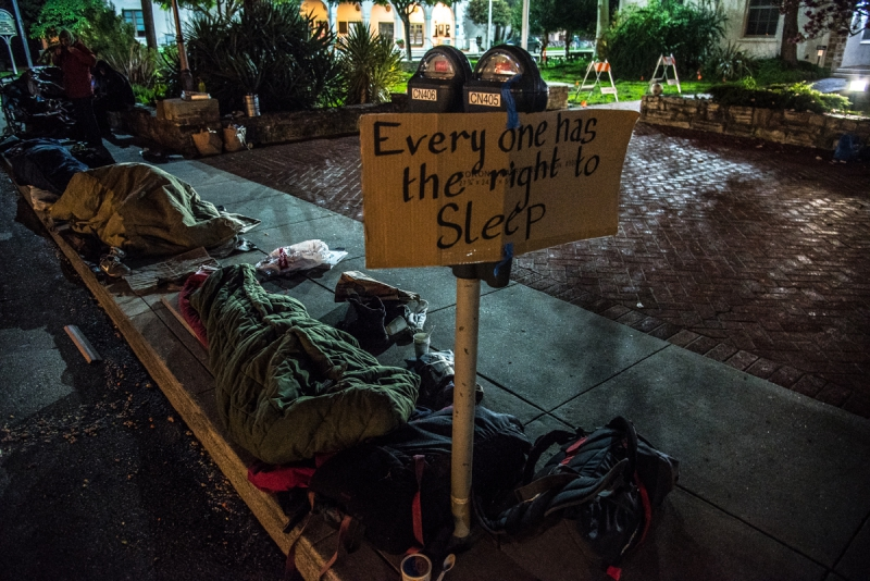 800_santa-cruz-homeless-sweeps-10-freedom-sleepers-city-hall.jpg