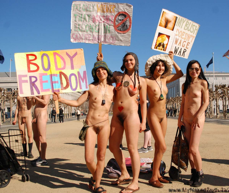 800_nude_love_parade32.jpg