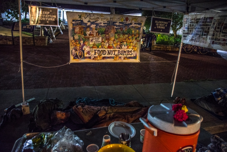 sm_freedom-sleepers-3-food-not-bombs-santa-cruz-city-hall.jpg