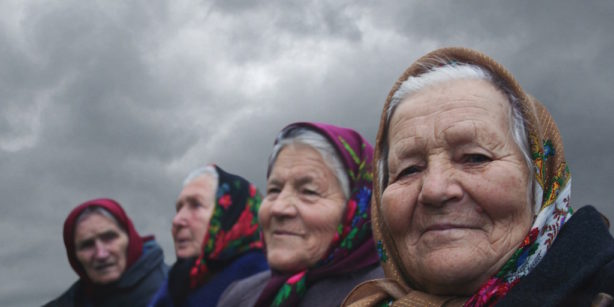 the-babushkas-of-chernobyl-1-614x307.jpg