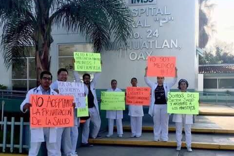 480_mexican_doctors_fighting_privatization.jpg original image (480x479)