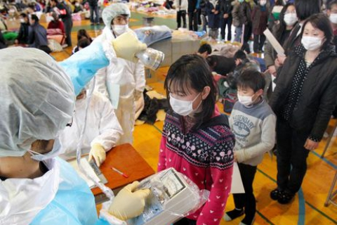 480_japan_fukushima_children_at_shelter.jpg