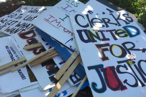 480_santa_clara_court_clerks_strike_signs.jpg