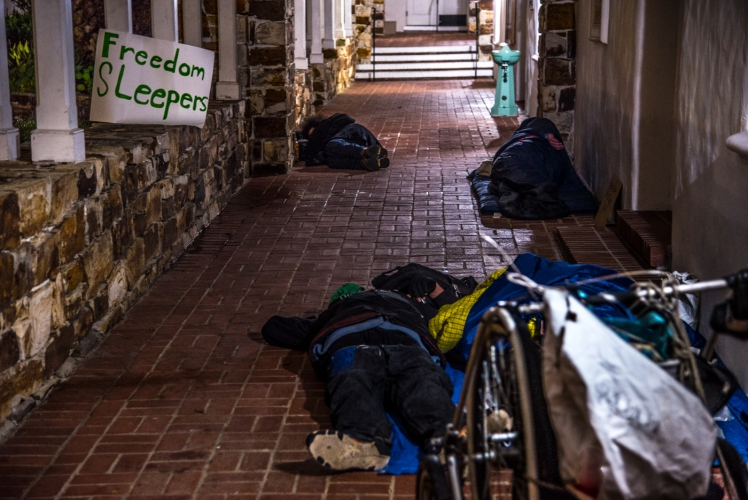 sm_freedom-sleepers-1-santa-cruz-city-hall.jpg